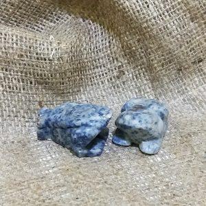 Фигурки из камня