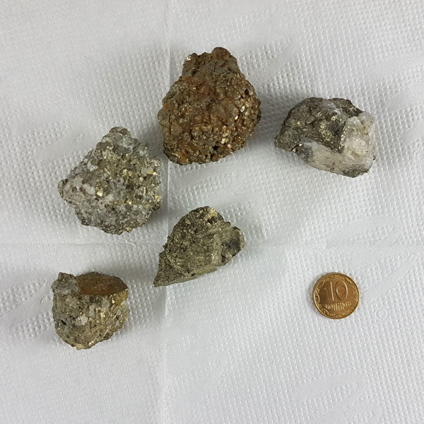 Пирит камень с отверстием