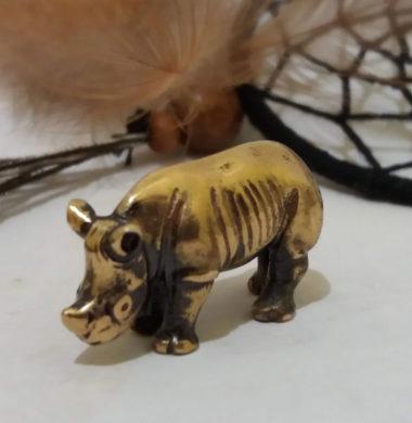 Носорог 2,8*1*1,8см