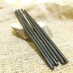 Свічка чорна всередині полин віск 210 мм